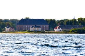 Valdemars Schloss vom Wasser aus